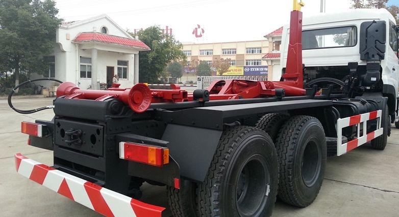 东风16方钩臂式垃圾车