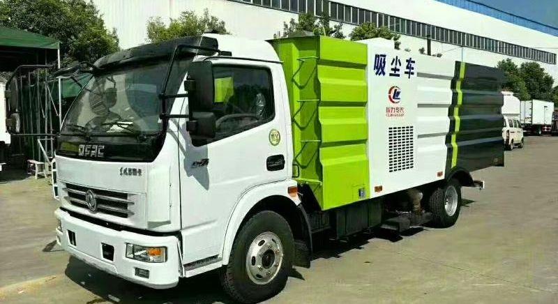 东风5吨吸尘车