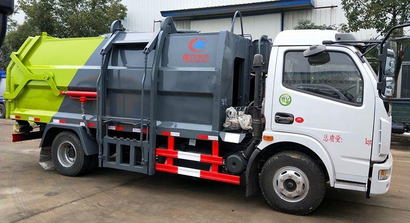东风8方侧装压缩式垃圾车