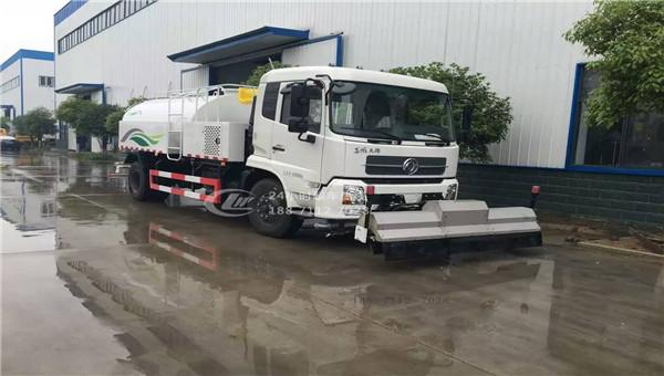 东风天锦路面清洗车