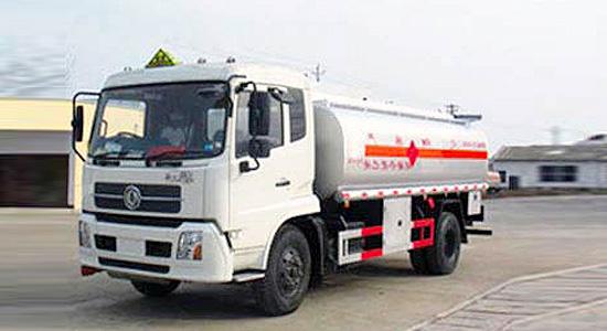 东风天锦化工液体运输车