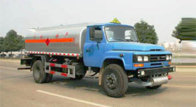 东风140尖头化工液体运输车