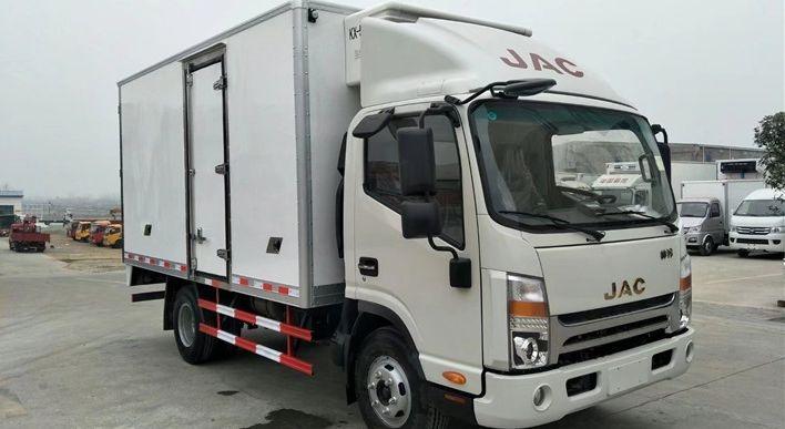 江淮宽体冷藏车(厢长4米)